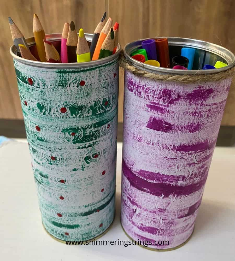DIY tin pen stand with texture painting